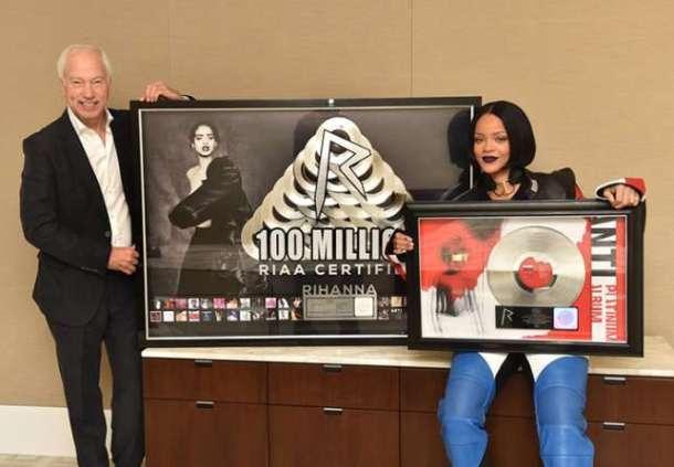 HISTORIH: RIAA CEO, Cary Sherman and Rihanna