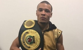British boxer Chris Eubank Jr beats Renold Quinlan and claims IBO super-middleweight title