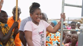 Khloe Thompson, a 10-year-old philanthropist from the US, donates water pump to school in Ghana